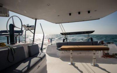 Depuis La Grande-Motte, les catamarans Outremer et Gunboat prennent le large