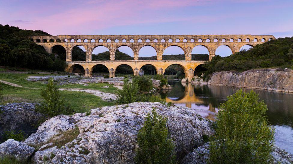 Tourisme dans le Gard : un été plutôt positif
